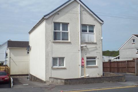 4 bedroom flat for sale - Carmarthen Road, Cross Hands