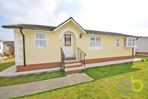 2 bedroom mobile home for sale - Creek Road, Canvey Island