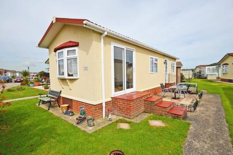 1 bedroom mobile home for sale - Creek Road, Canvey Island