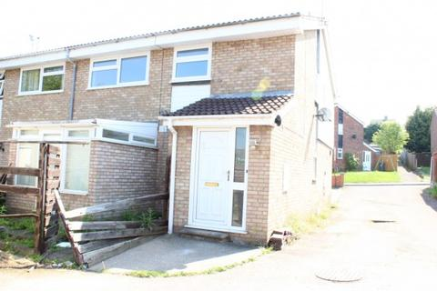 2 bedroom maisonette to rent - Okehampton Avenue,  Leicester, LE5