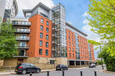 2 bedroom apartment to rent - Penthouse Magallen House