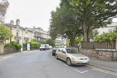 2 bedroom flat to rent - Richmond Park Road, Clifton, BS8
