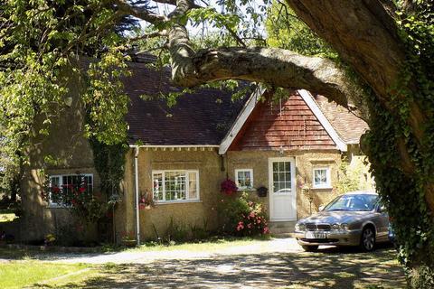3 bedroom bungalow to rent - BREDHURST