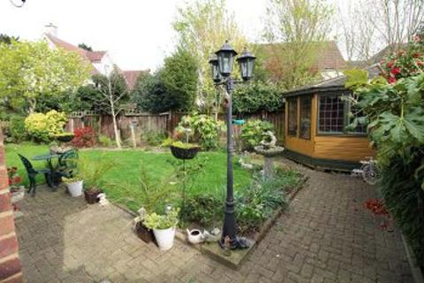 3 bedroom detached bungalow for sale - Beehive Lane, Chelmsford, Essex ,CM2 9SG