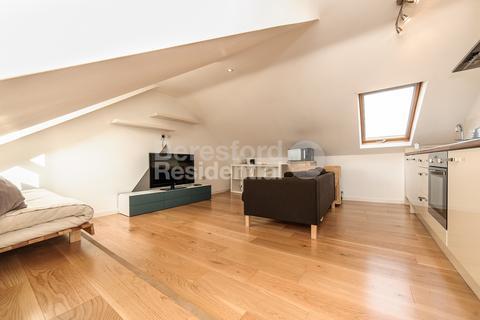 1 bedroom flat - Ballater Road, Brixton