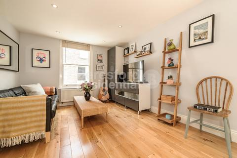 2 bedroom apartment for sale - Corrance Road, Clapham North, SW2