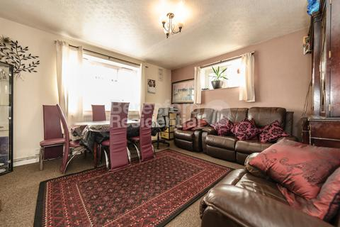 3 bedroom flat for sale - Saxby Road, Brixton, SW2