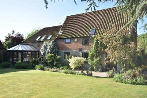 4 bedroom barn conversion for sale - The Barn, The Green, Collingham
