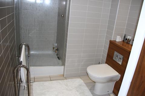 2 bedroom apartment for sale - Hurst Street Docklands L1
