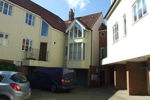 3 bedroom flat to rent - Betts Court, Norwich NR3