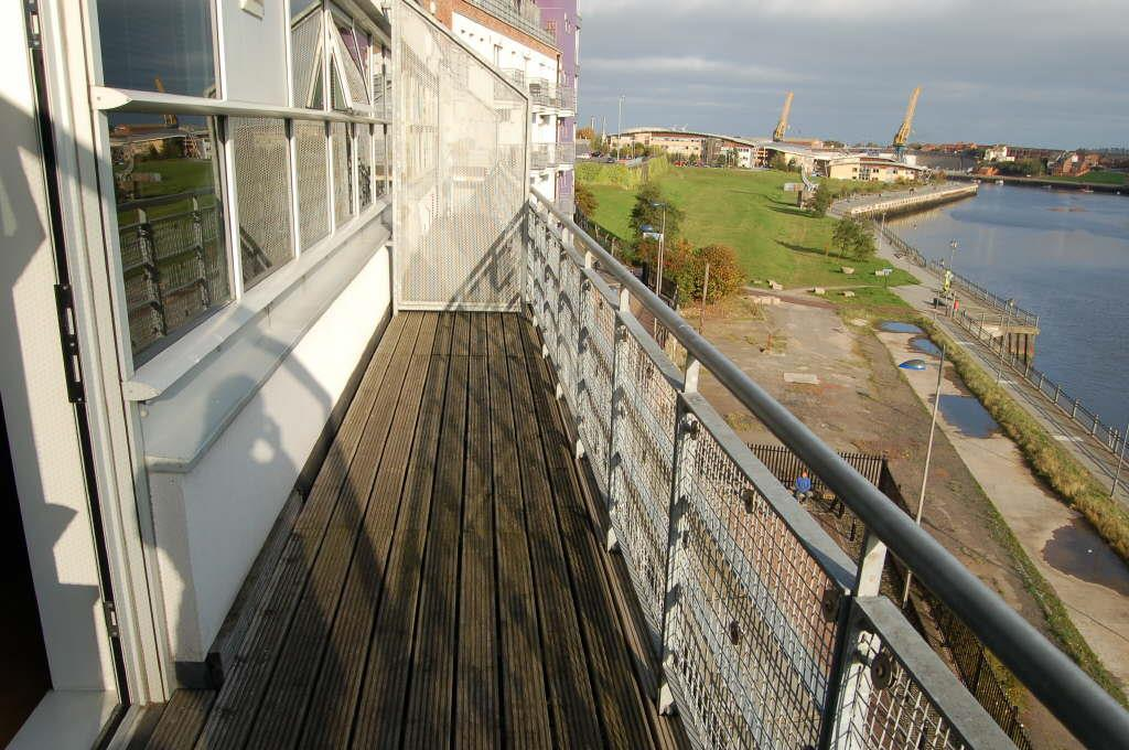 2 Bedrooms Apartment Flat for sale in St Peters Wharf, Bonners Raff, Sunderland