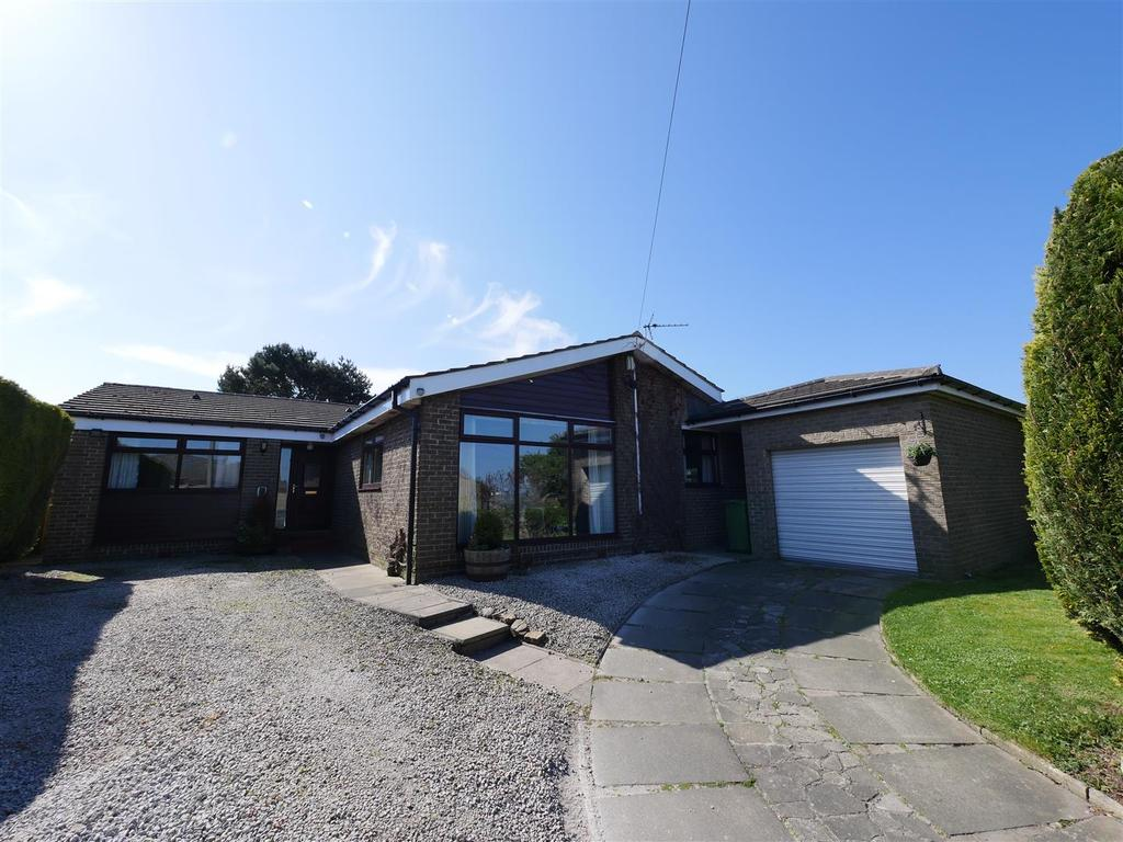 4 Bedrooms Detached Bungalow for sale in Offerton, Sunderland