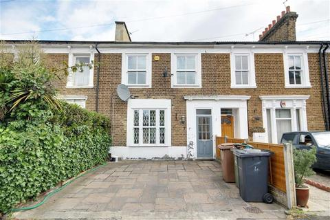 2 bedroom house to rent - Tennyson Road, Leyton, London