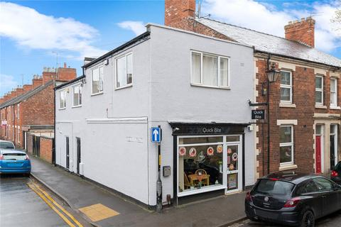 End of terrace house for sale - Castlegate, Grantham, NG31