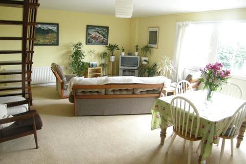 2 bedroom flat for sale - Flat 3, Bishops Park House, Upper Lamphey Road, Pembroke