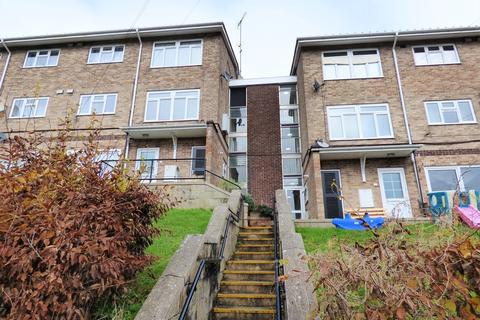3 bedroom flat to rent - Thurmond Crescent , Winchester