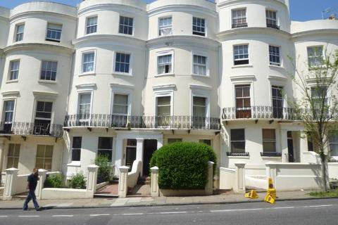 Studio to rent - Lansdowne Place, Hove,
