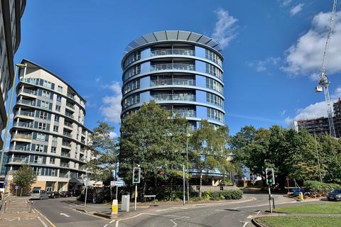 2 bedroom apartment to rent - Oriental Road, Woking