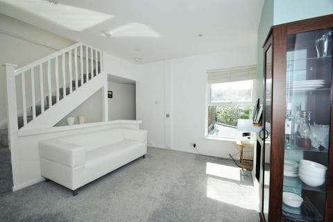 2 bedroom apartment to rent - Milton Road, South Wimbledon