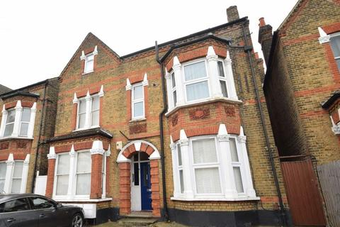 1 bedroom apartment to rent - Robinson Road, SW17