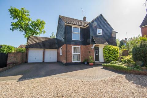 4 bedroom detached house for sale - Little Russets, Hutton, Brentwood, Essex, CM13