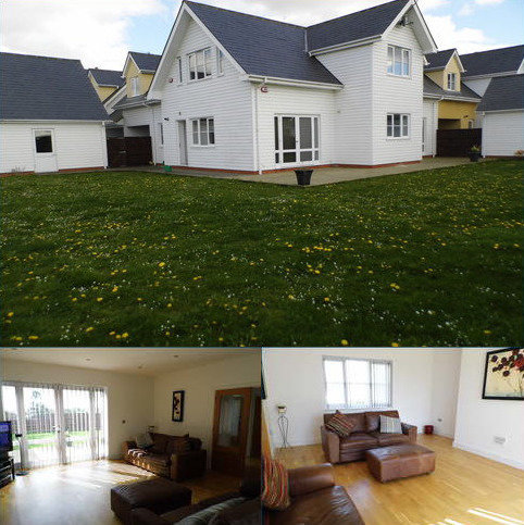 4 bedroom detached house to rent - Monks Cottages, St. Mary's Lae, Upminster RM14