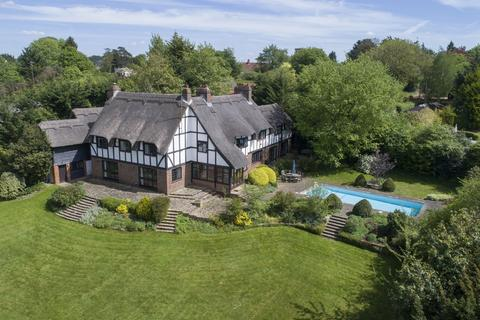 6 bedroom detached house for sale - Alleyns Lane, Cookham Dean