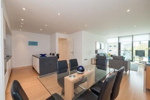 3 bedroom flat to rent - SIMPSON LOAN, QUARTERMILE, EH3 9GG