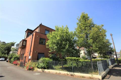 2 bedroom flat to rent - Mead Road, Cheltenham, Gloucestershire, GL53
