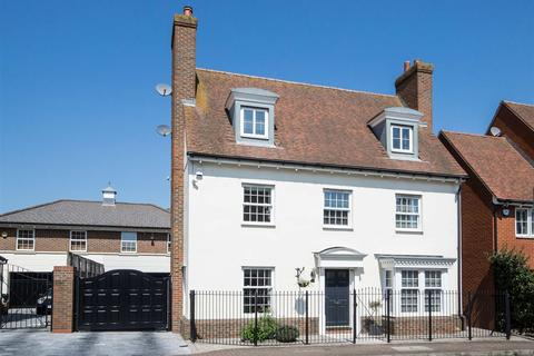 5 bedroom detached house for sale - Wharton Drive, Springfield, Chelmsford