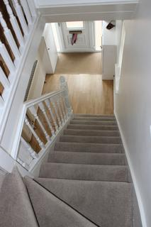 4 bedroom semi-detached house to rent - 38 Ivyfield Road