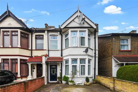 3 bedroom terraced house for sale - Idmiston Road, London, E15