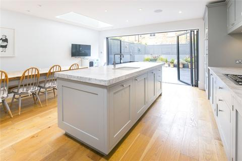 4 bedroom semi-detached house for sale - Gosberton Road, London, SW12