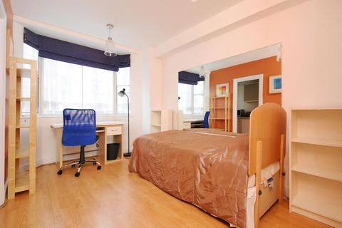Studio to rent - Chelsea Cloisters, Sloane Avenue, London