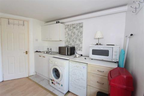 Studio to rent - Dennington Park Road, West Hampstead