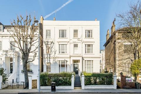Studio to rent - Pembridge Villas London W11