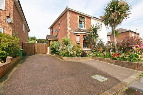 3 bedroom semi-detached house for sale - Middle Road, Sholing, Southampton, SO19 8FT
