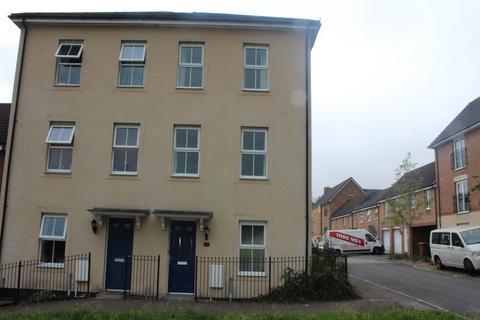 4 bedroom house to rent - Buzzard Way, Penallta, HENGOED