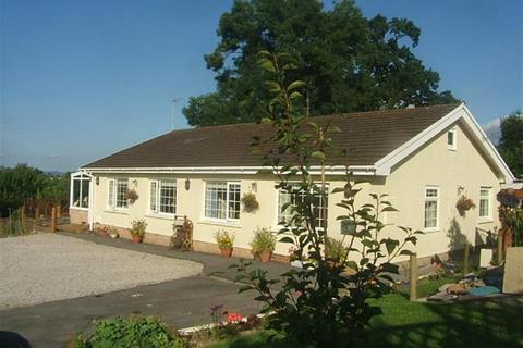 3 bedroom bungalow for sale - Carmarthen Road, Llandeilo