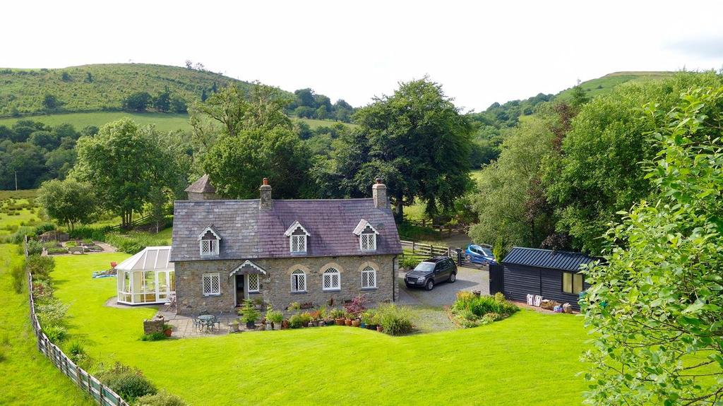 3 Bedrooms Detached House for sale in Talley, Llandeilo