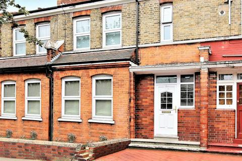 3 bedroom terraced house for sale - Hewitt Avenue, Wood Green