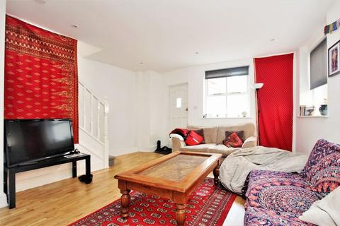 4 bedroom mews to rent - Montague Road, Crouch End