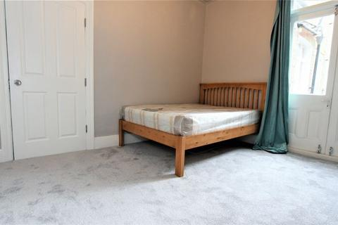 House share to rent - Langham Road, Turnpike Lane N8
