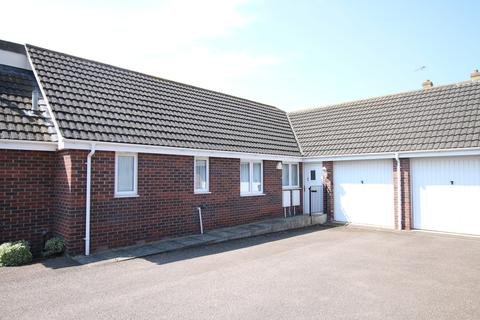 2 bedroom semi-detached bungalow for sale - White Horse Gardens, March