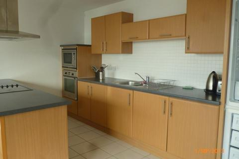 2 bedroom flat to rent - Prospect Place, Cardiff Bay ( 2 Beds ) *