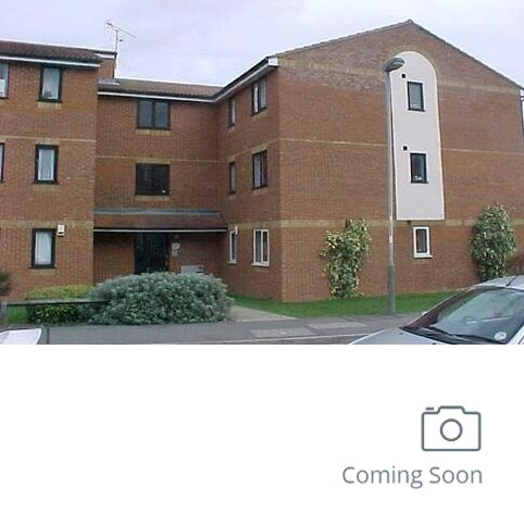 2 bedroom flat to rent - Redford Close, FELTHAM