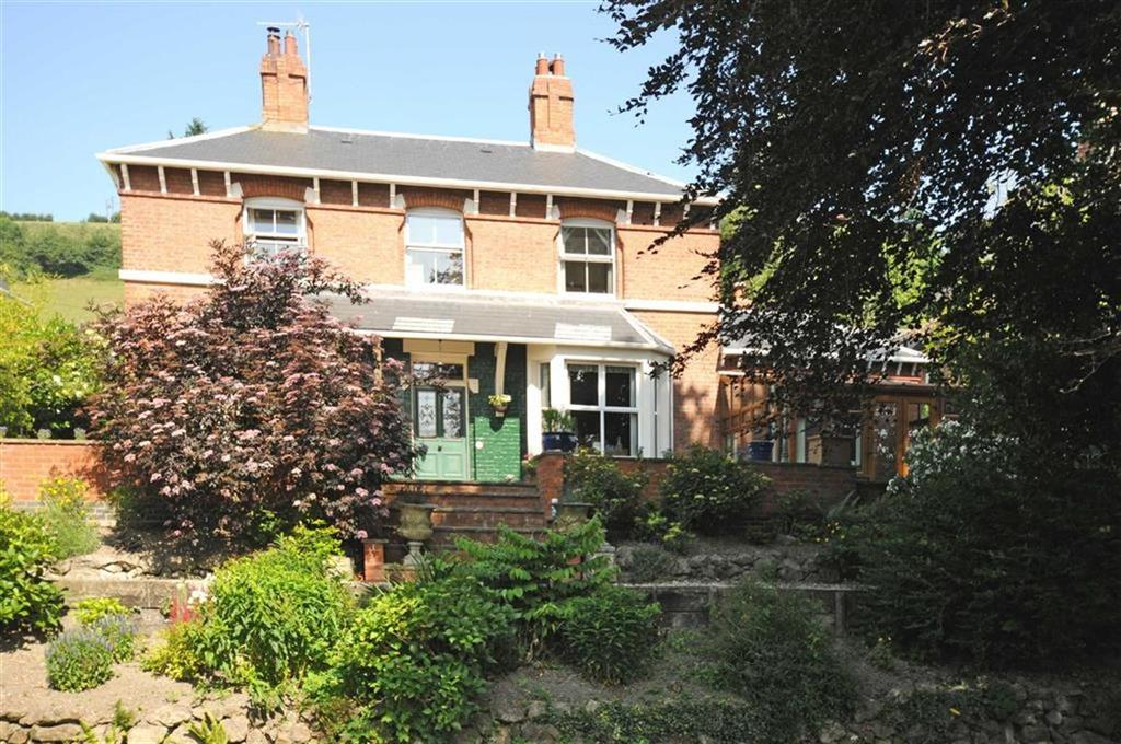 4 Bedrooms Detached House for sale in Celynog, Milford Road, Milford Road, Newtown, Powys, SY16