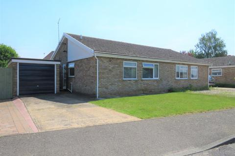 2 bedroom semi-detached bungalow to rent - Brantham, Manningtree
