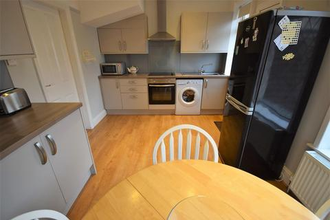 3 bedroom semi-detached house for sale - Medway, Queensbury, Bradford