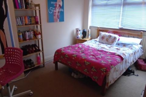 3 bedroom house share to rent - Strathdene Road, Selly Oak, Birmingham, West Midlands, B29